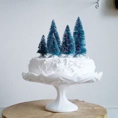 mommo design: SWEET CHRISTMAS Metal Christmas Tree, Woodland Christmas, Noel Christmas, Winter Christmas, Christmas Party Menu, Christmas Desserts, Christmas Treats, Biscotti, Xmas Food