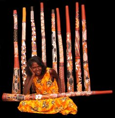 This lady make didgeridoos. I love the unique sound and look of this instrument, they are also great works of art!