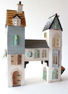 The perfect cardboard castle! found via Mari - Small for Big The perfect cardboard castle! Cardboard Castle, Cardboard Crafts, Paper Crafts, Cardboard Playhouse, Cardboard Furniture, Diy Paper, Cardboard Houses, Foam Crafts, Art Crafts