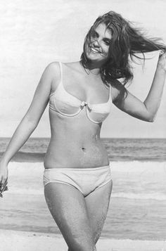 Leila Diniz, brazilian actress - and all the hotness of a vintage female body