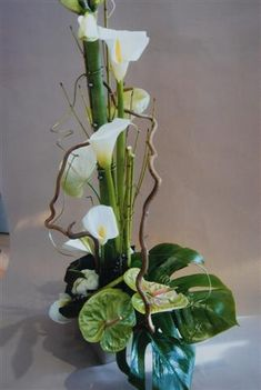 Contemporary Flower Arrangements, Creative Flower Arrangements, Tropical Flower Arrangements, Ikebana Flower Arrangement, Church Flower Arrangements, Ikebana Arrangements, Church Flowers, Beautiful Flower Arrangements, Unique Flowers