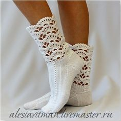 Neat - Crochet cuffs to purchased ankle socks. I use crochet edgings on babies undershirts, receiving blankets, etc. Crochet Boot Cuffs, Crochet Boots, Crochet Slippers, Knit Or Crochet, Knitting Socks, Crochet Crafts, Crochet Clothes, Crochet Stitches, Crochet Patterns