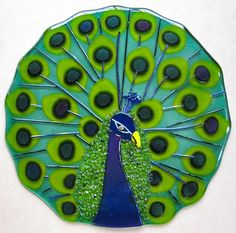 Fused 11 round plate with iridescent peacock Fused Glass Plates, Fused Glass Art, Glass Ceramic, Glass Dishes, Mosaic Glass, Stained Glass, Glass Fusing Projects, Tile Projects, Glass Fusion Ideas
