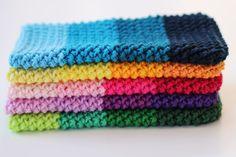 Herringbone phone cover, free crochet pattern on haakmaarraak. Crochet Ipad Cover, Crochet Case, Crochet Shell Stitch, Crochet Gifts, Diy Crochet, Crochet Designs, Crochet Patterns, Crochet Mobile, Easy Crochet Projects