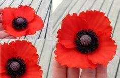 Poppy - 2 part tute for gum paste.  Second part here: http://tarttokig.wordpress.com/2013/06/20/tutorial-red-poppy-part-2/