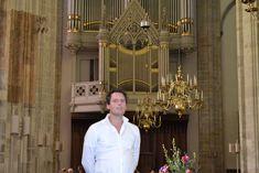 Adema opent voorjaarsconcerten in Buitenkerk  KAMPEN. De liefhebber van orgelmuziek kan dit voorjaar zijn hart ophalen. Vanaf april tot en met juli vindt er in de Buitenkerk elke maand een gratis concert plaats, waarin het fraaie Hinsz-orgel een belangrijke plaats inneemt. Zaterdag 21 april opent Niels Adema, organist te Kampen, de...