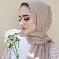 k gilla-markeringar, 96 kommentarer - Jawaher Badr (jawaherrbrr) p quot;How can we ruin something so perfect so fluent quot; Frock Fashion, Abaya Fashion, Muslim Fashion, Modest Fashion, Women's Fashion, Hijabi Girl, Girl Hijab, Hijab Outfit, Hijab Makeup