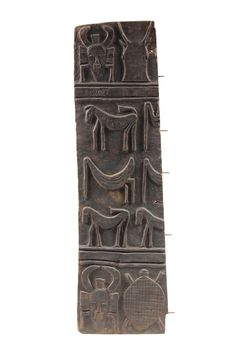 Africa / Carved Wood Door Panel from the Senufo People of the Ivory Coast Arte Tribal, Tribal Art, Ghana, African Wood Carvings, African Pottery, African House, African Sculptures, Traditional Doors, Art Africain
