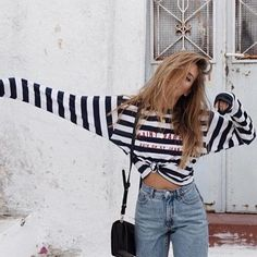 Striped top and high waisted denim jeans with chic black handbag. Passion For Fashion, Love Fashion, Fashion Outfits, Brandy Melville, Cute Outfits With Jeans, Outfit Combinations, Fitness Fashion, Autumn Winter Fashion, Dress To Impress