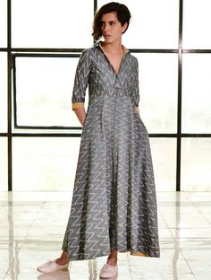 Zig zag print long casual dress with v neck and collar, 3/4th sleeve