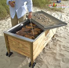 portable bbq pit. This is la caja china, and I want it.