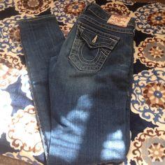 True Religion skinny jeans. EUC. size 26 Julie jeans by true religion. Skinny jean. True Religion Pants
