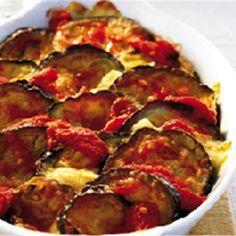 Ένα πιάτο γεμάτο βιταμίνες και αντιοξειδωτικά που κάθε μερίδα του σας δίνει μόλις 280 θερμίδες. Greek Recipes, Veggie Recipes, Diet Recipes, Snack Recipes, Cooking Recipes, Healthy Recipes, Snacks, Eggplant Dishes, Baked Eggplant