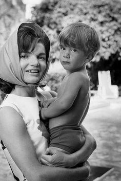 Jacqueline Kennedy holding her son, John F. Kennedy Jr. (Palm Beach, 1963)