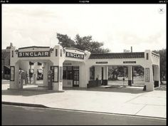 Sinclair Gas Station San Antonio, Vintage Gas Pumps, Gas Service, Ho Scale Trains, Old Gas Stations, Filling Station, Texas, Oil And Gas, Car Wash