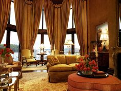 Tray Love...Curtain Love...Room Love!