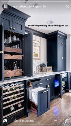 Loving the dark blue kitchen cabinets. Color can be so fun! Loving the dark blue kitchen cabinets. Color can be so fun! Dark Blue Kitchen Cabinets, Dark Blue Kitchens, Kitchen Cabinet Colors, Upper Cabinets, Dark Cabinets, Rustic Kitchen, New Kitchen, Kitchen Dining, Kitchen Decor