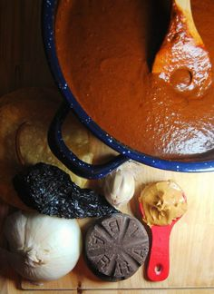 Easy Mole – Mole comes from the Aztec word molli, meaning concoction or sauce. Mole is a rich, complex sauce bursting with layer upon layer of flavor. A treasured dish of Mexico is one of my family's favorites. Each region in Mexico stakes claim to Authentic Mexican Recipes, Mexican Food Recipes, Sauce Mole, Plats Latinos, Chutneys, Enchiladas, Mexican Mole, Taupe, Hispanic Kitchen