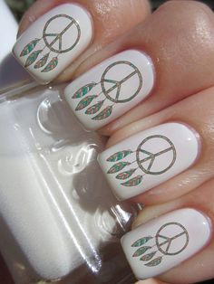 Dreamcatcher Peace Sign Nail. @lincolnmotor Thacker