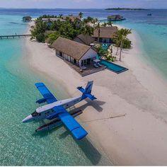 Land in paradise.☀️☀️ •  • To-do List: Enjoy Maldives.✔ •  • @socialhabitats •  • Four Season Maldives. •  •  Maldives. • #️⃣ • #todolistmagazine #resortsmagazine #travel #discover #explore #travel