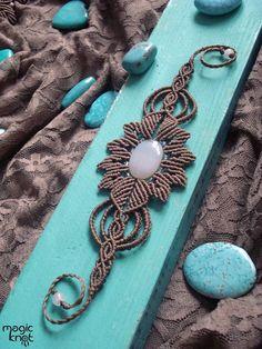 Macrame Bracelet Patterns, Macrame Rings, Macrame Art, Macrame Projects, Macrame Necklace, Macrame Jewelry, Macrame Bracelets, Macrame Tutorial, Bracelet Tutorial