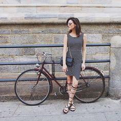 Para entrar no clima de feriado aqui em SP, um passeio de bike e um #lookTovah confortável e estiloso, como o da blogger @paulinhasampaio. #estiloTovah #lookdodia #streetstyle #ootd
