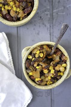 5 Minute Slow Cooker Vegetarian Chili Recipe. #healthyeating #goodfood #healthyrecipe #taste