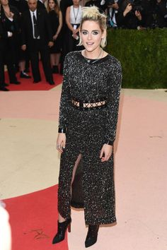 Pin for Later: Kristen Stewart Goes Stag — and Shows Some Leg — at the Met Gala