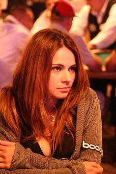 Stunning poker player Tatjana Pasalic