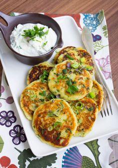 Goda potatisbiffar med örtyoghurt