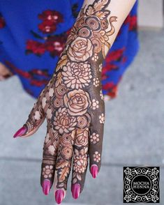 Henna is the most traditional part of weddings throughout India. Let us go through the best henna designs for your hands and feet! Easy Mehndi Designs, Latest Mehndi Designs, Bridal Mehndi Designs, Henna Art Designs, Indian Mehndi Designs, Mehndi Design Pictures, Mehndi Designs For Hands, Henna Pictures, Mehndi Images