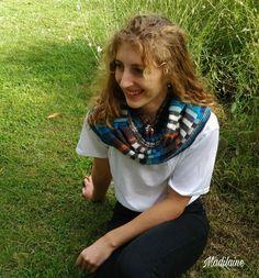 Tour de cou,chauffe épaules tricoté main en laine aux couleurs alternées de bleu, écru et rouille Tour, Style, Fashion, Rust, Stripes, Colors, Blue, Tricot, Swag