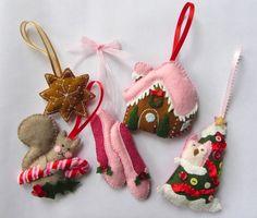 Felt Ornaments by Imagine Our Life http://www.imagineourlife.com/2012/11/05/felt-gingerbread-house-ornament/