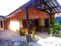 Villa Pelangi dekat BNS dan Jatim Park Batu malang  Hotline 0341 511057 Pin BB 52688255 Whatsapp 082143169538 Www.penginapanbatu.com