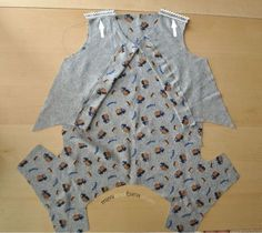 Today I bring you a new version of the basic dog pajamas pattern. This is the button up pets pajamas. Pajama Pattern, Dog Pattern, Dog Clothes Patterns, Coat Patterns, Dog Pants, Dog Pajamas, Fashion Corner, Puppy Clothes, Dog Sweaters