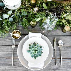 Stunning wedding tablescape with greenery Blue White Weddings, Wedding Mint Green, Wedding Trends, Wedding Designs, Wedding Styles, Wedding Ideas, Wedding Beauty, Dream Wedding, Rustic Bohemian Wedding