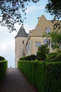 Château de Marqueyssac in Vézac ~ Dordogne, France La Dordogne, Loire, Limousin, Palaces, Beautiful Castles, Beautiful Places, Aquitaine, Monuments, Places Around The World
