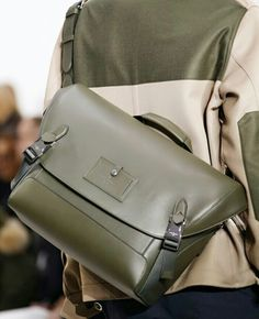 Louis Vuitton Мода Сумки, Модный Показ, Мужская Мода, Модные Тенденции,  Модные Аксессуары 8a407805ccc