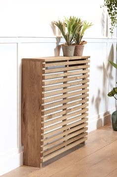 Kaaned dekoratiivsete maitsealustega - I Love Palets Home Living Room, Interior, Diy Furniture, Radiator Cover, Home Decor, Home Deco, Wood Diy, Home Diy, Interior Design