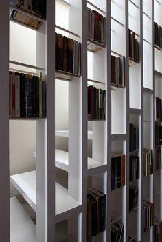 moderne-treppe-bucherregal-weiss-lackiert-gross.jpg (750×1116)