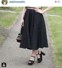 Det är något med kjolen och skorna...