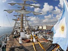 Argentina envía una misión política a Ghana por la Fragata Libertad