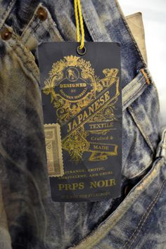 great concept for the feathered nest. Tag Design, Retro Design, Label Design, Typography Layout, Graphic Design Typography, Denim Display, Swing Tags, Vintage Type, Basic Outfits