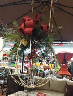 Decoración navideña utilizando esferas...