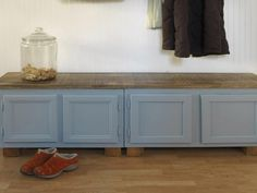DIY Network shows how to create extra storage and seating by turning kitchen cabinets into a bench. kitchen, How to Make a Mudroom Bench Using Old Kitchen Cabinets Old Kitchen Cabinets, Kitchen Furniture, Diy Kitchen, Kitchen Nook, Kitchen Ideas, Furniture Projects, Kitchen Island, Kitchen Peninsula, Concrete Furniture