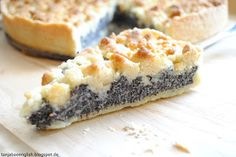 Tanja Bao English: Poppy-Seed Cake Recipe with streusel / crumbles. German Cakes Recipes, Cake Recipes, Dessert Recipes, Desserts, Poppy Seed Dessert, Poppy Seed Cake, Poppy Seed Recipes, Poppy Seed Filling, Afternoon Tea Cakes