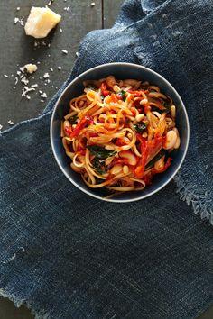 Hearty Tuscan Linguine #pasta #healthyfamilydinners #slowcooker