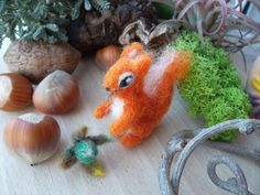 Needle felted animal squirrel mini figurine ooak Handmade wool soft sculpture Tiny squirrel Dollhouse figurine woodland animals  scoiattolo by MondoTSK on Etsy