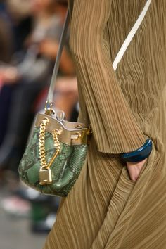 Chloé Spring 2014 RTW - Details - Fashion Week - Runway, Fashion Shows and Collections - Vogue