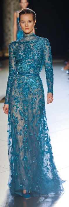 Elie Saab Couture Fall I love this colour. Elie Saab is a genius. Vestidos Elie Saab, Style Couture, Couture Fashion, Runway Fashion, Couture Week, Paris Fashion, Elie Saab Couture, Beautiful Gowns, Beautiful Outfits